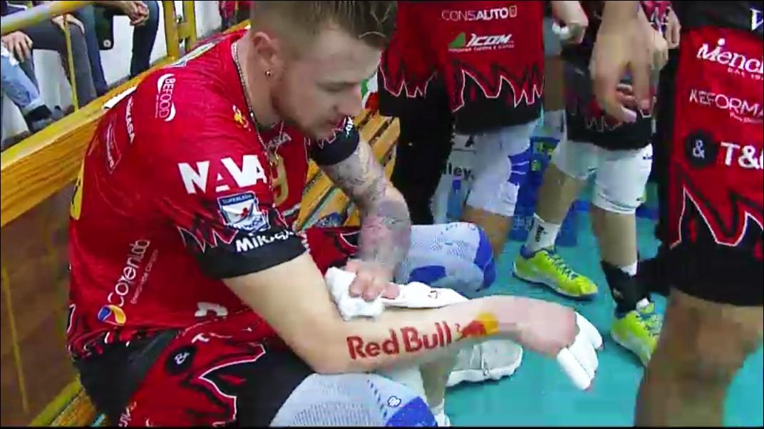 Zaytsev tatuaggio red bull
